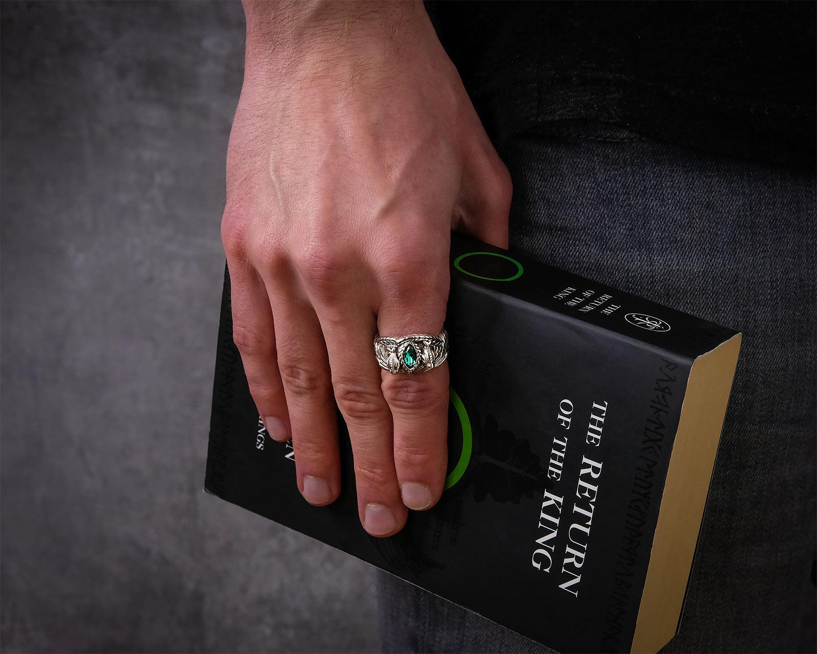 barahirs ring aragorns ring herr der ringe offizieller warner bros shop. Black Bedroom Furniture Sets. Home Design Ideas